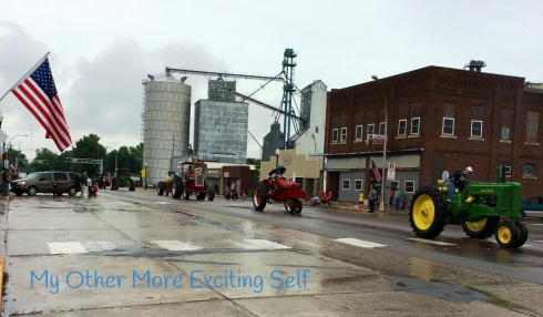 6 Ways to Enjoy a Small-Town Parade | via MyOtherMoreExcitingSelf.wordpress.com