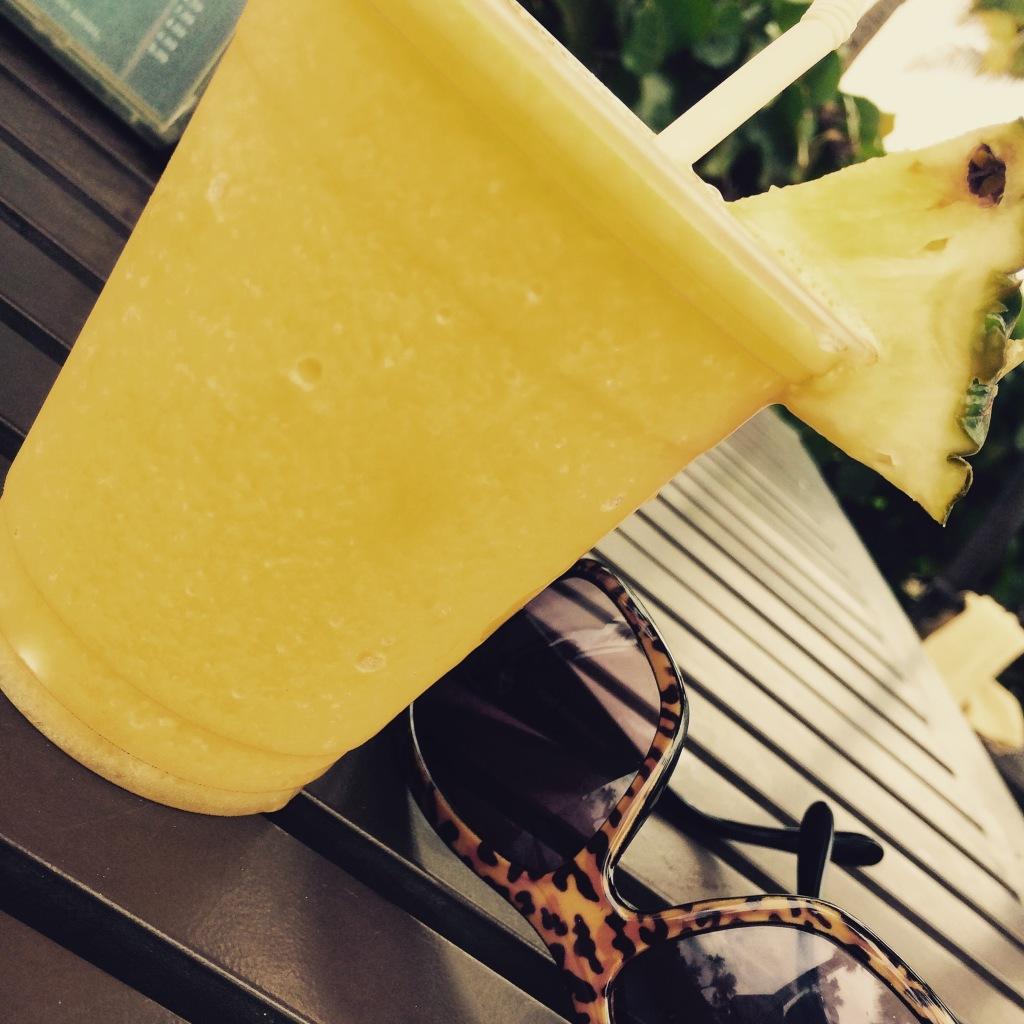 Mango Colada at the Caribe Hilton | via MyOtherMoreExcitingSelf.wordpress.com
