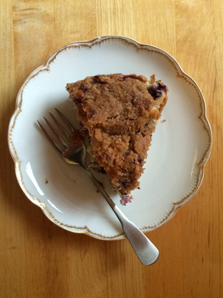 Mom's Best Blueberry Coffee Cake | via MyOtherMoreExcitingSelf.wordpress.com
